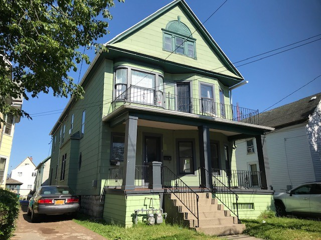 Buffalo Homes for Sale 1073 West Exterior