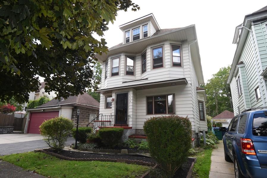 Buffalo Homes for Sale 124WOakwood-exterior