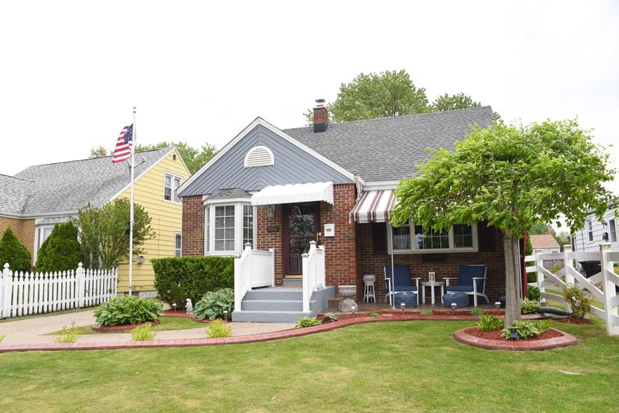 Buffalo Homes for Sale 203Hawthorne-ext