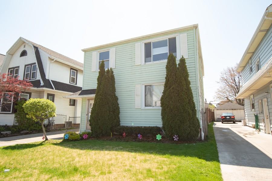 Buffalo Homes for Sale 208Mang-exterior