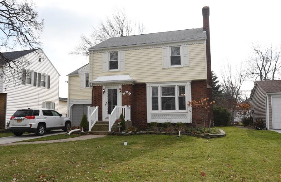 Buffalo Homes for Sale 217Soutwood-05