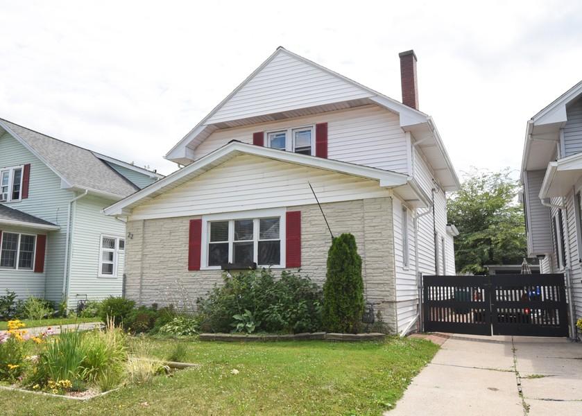 Buffalo Homes for Sale 22Lyndhurst-exterior