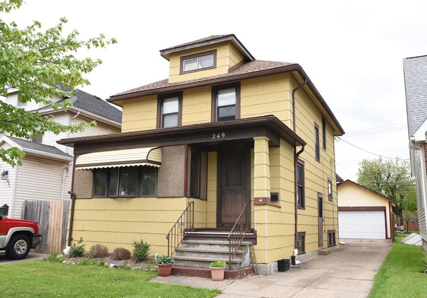 Buffalo Homes for Sale 249Victoria-03