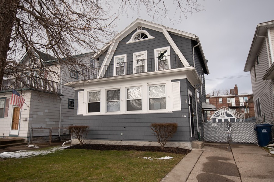 Buffalo Homes for Sale 254Villa-exterior