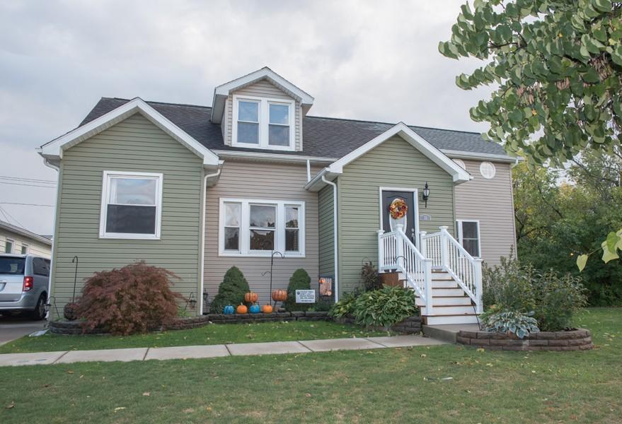Buffalo Homes for Sale 33Moulton-exterior
