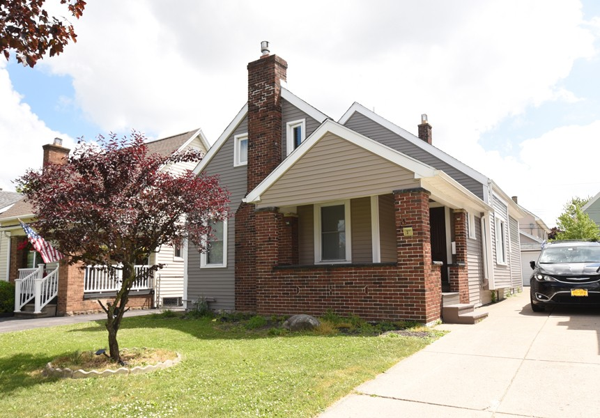 Buffalo Homes for Sale 37Arundel-exterior