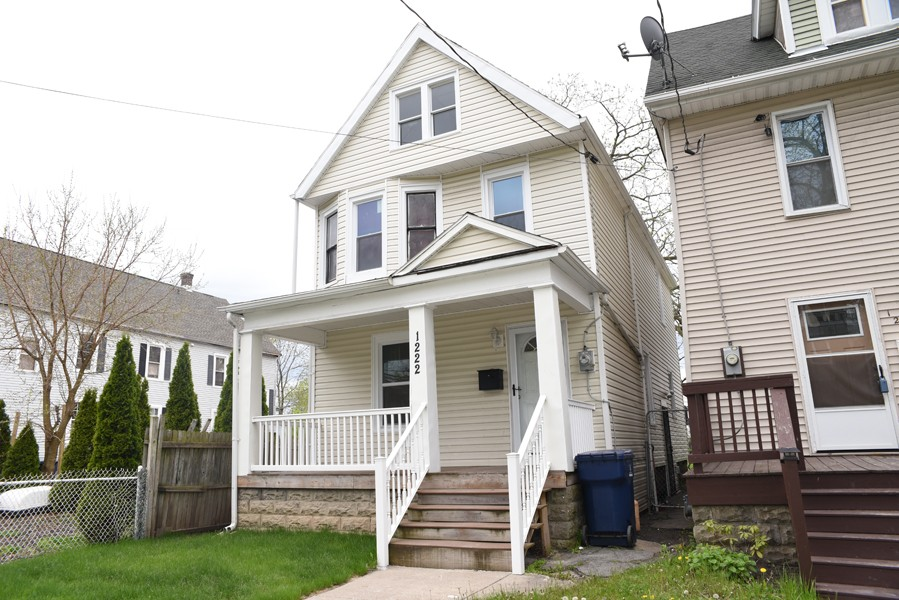 Buffalo Homes for Sale 1222West-09
