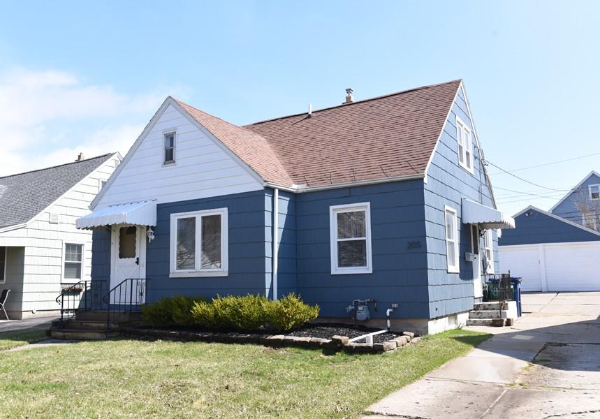Buffalo Homes for Sale 205Carmel-06
