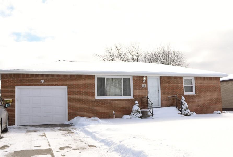 Buffalo Homes for Sale 225Woodcrest-33