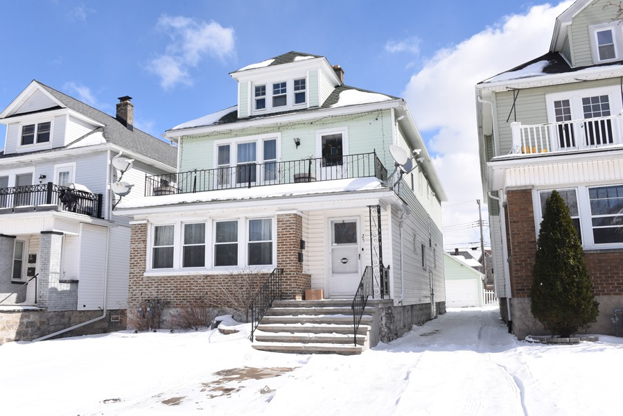 Buffalo Homes for Sale 25Rugby-04