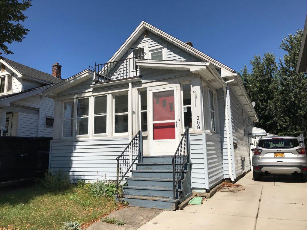 Buffalo Homes for Sale 208 Villa Ave exterior