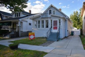 Buffalo Homes for Sale 208 Villa ext 2